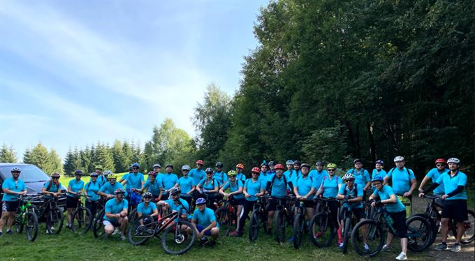 Tyrkysová smečka na horské Tour de Jizerky